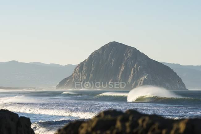 Scenic view of Lone Peaks coastline — Stock Photo