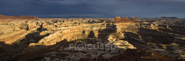 The view into the Maze from the Maze Overlook Campground, Canyonlands National Park, Utah. — Stock Photo