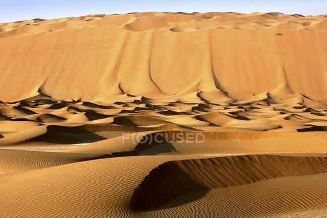 Dunas de areias deserto de Dubai, Dubai, Emirados Árabes Unidos, Médio Oriente — Fotografia de Stock