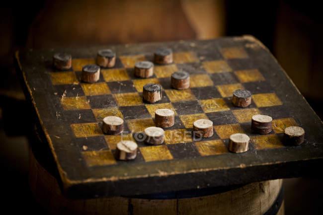 Gioco di dama d'epoca in legno — Foto stock