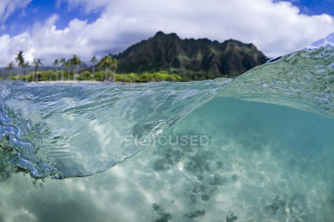 Рівень води комбінованого режиму Kualoa гряди на Іст-Сайді Оаху — стокове фото