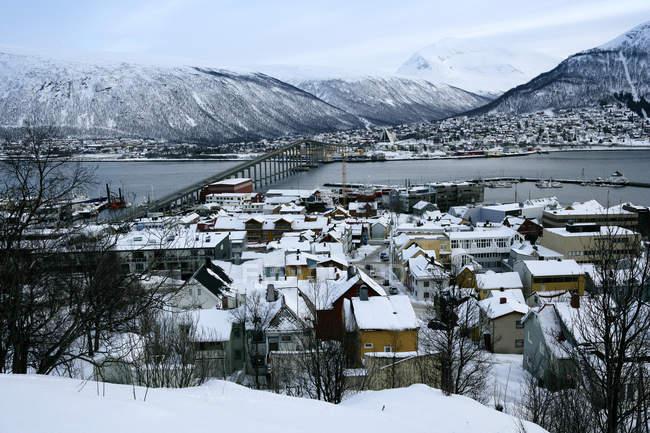 Vue panoramique des bâtiments à la ville de Troms, Norvège — Photo de stock