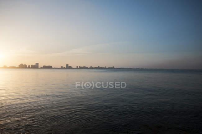 Vista panorâmica do horizonte de La Manga del Mar Meno na Espanha — Fotografia de Stock