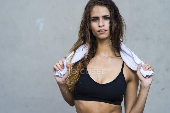 Portrait of fitness model in Brooklyn, New York. — Stock Photo