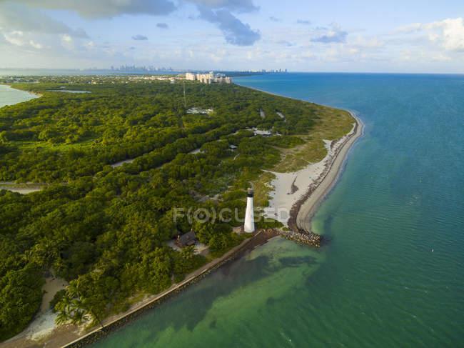 Vista aerea di Cape Florida Lighthouse a Key Biscayne, Florida, Stati Uniti d'America — Foto stock