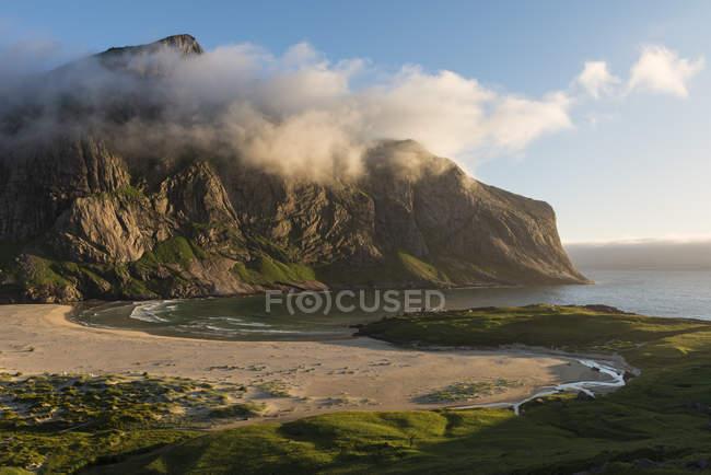 Evening light over Horseid beach, Moskenesy, Lofoten Islands, Norway — Stock Photo