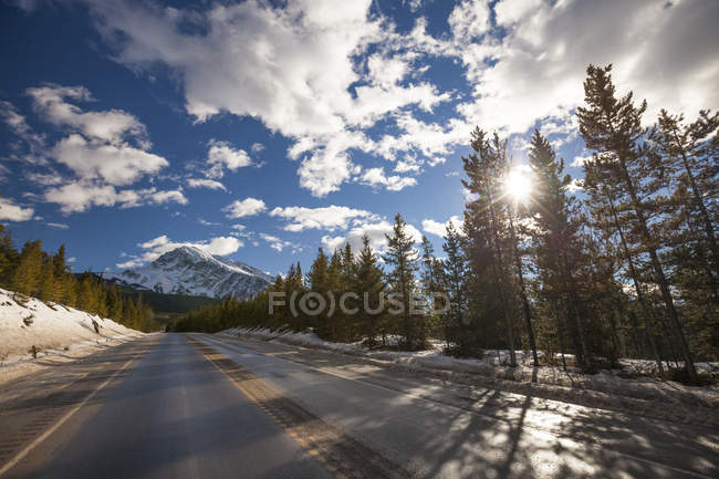 Icefields Parkway Highway Connects Jasper And Banff National Park — Stock Photo
