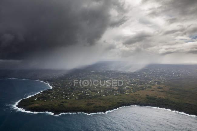 Vista aérea de lava no parque de nacional de vulcões do Havaí — Fotografia de Stock