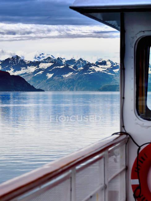 Glacier Bay, видно из малых круизный корабль на внутри пассаж в Аляска, США — стоковое фото