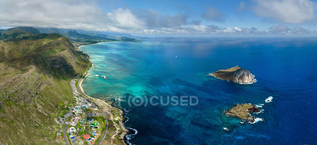 Aerial view of Kaohikaipu island and Rabbit island off the coast of Makapuu beach — Stock Photo