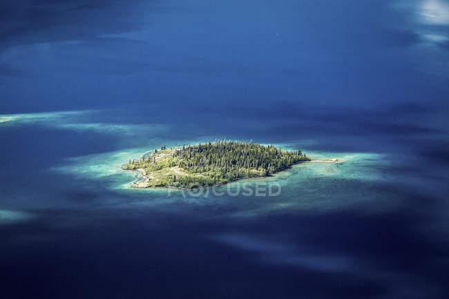 Blick auf See Insel vom Thron des Königs, Yukon — Stockfoto