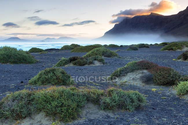 Malerische Aussicht auf den Strand Playa De Famara In Kanarische Inseln, Spanien, Europa — Stockfoto