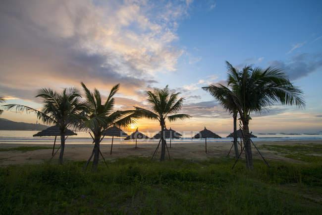 Vista da Praia Da Nang durante o nascer do sol — Fotografia de Stock