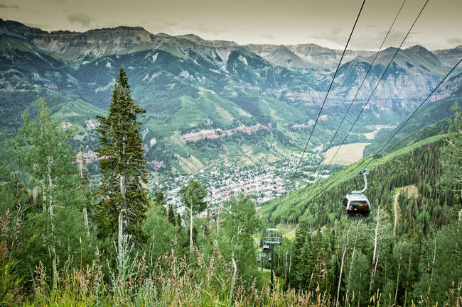 Vue de Telluride, Colorado de gondole en été — Photo de stock
