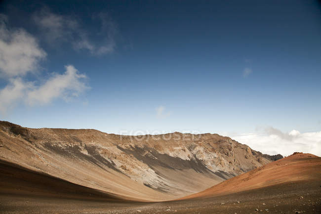 Spectacular coloured volcanic soils and rocks in Haleakala crater — Stock Photo