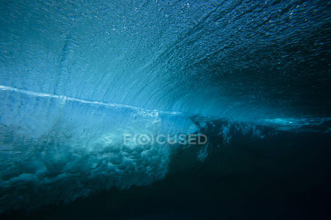 Підводний зору порушення хвилі на Мальдівах — стокове фото