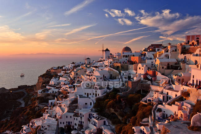 Scenic view of beautiful Sunset in Oia — Stock Photo