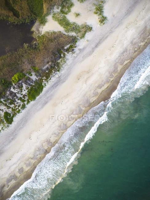 Charge verticale drone aérien de Rhode Island beach — Photo de stock