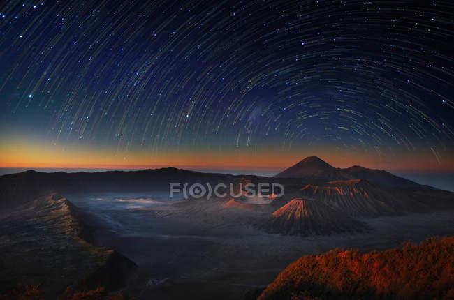 Scenic view of beautiful Bromo sunrise — Stock Photo