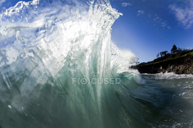 Ocean wave collided into by another wave on the East side of Oahu, Hawaii — Stock Photo