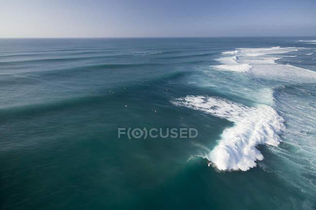 Vue d'ensemble du surf parfait à Sunset Beach, sur la côte nord d'Oahu — Photo de stock