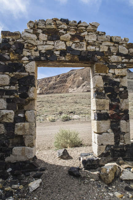 Remains of old stone building in abandoned ghost town, Candelaria, Nevada, USA — Stock Photo