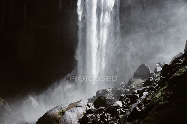 Vernal Falls, no Parque Nacional de Yosemite, Califórnia — Fotografia de Stock