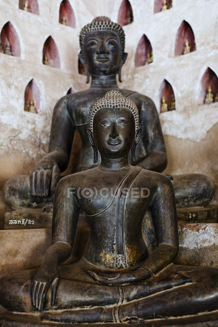 Buddha statues in Sisaket Museum, Vientiane, Laos — Stock Photo