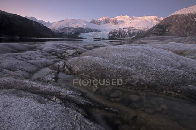 Fiordo con ghiacciai e costeggiarono Darwin — Foto stock