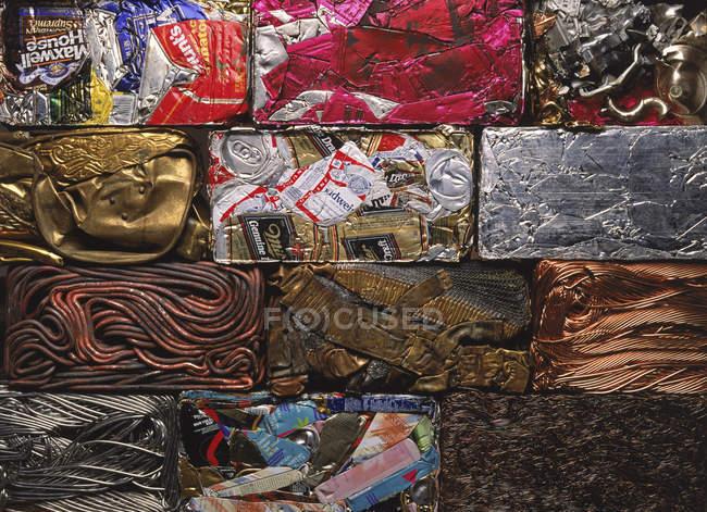 Vista superiore di organizzato vari metalli riciclati carta da parati — Foto stock