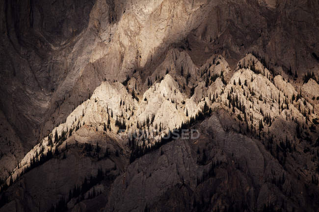 Rugged peaks of Canadian Rocky Mountains near Banff National Park — Stock Photo