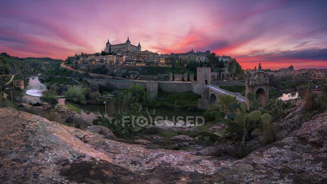 Панорамный вид на Тбелдо на закате. Концепция путешествия. — стоковое фото