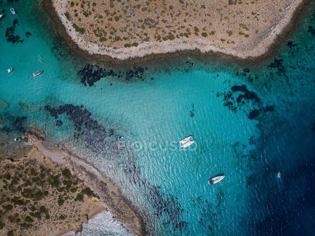 Vista aerea dell'isola del Mar Mediterraneo — Foto stock