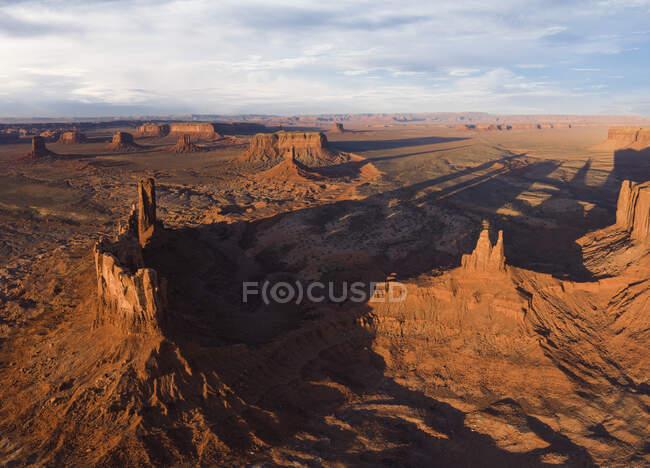 Воздушные панорамы пустынного ландшафта Долины Монументов — стоковое фото