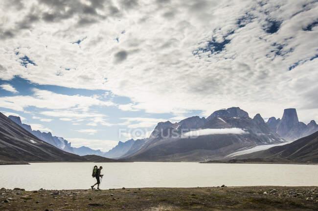 Auyuittuq parco nazionale scena escursionistica — Foto stock