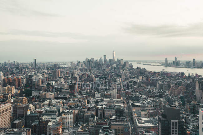 Vista mozzafiato su Manhattan, New York City Skyline subito dopo il Sunset HQ — Foto stock