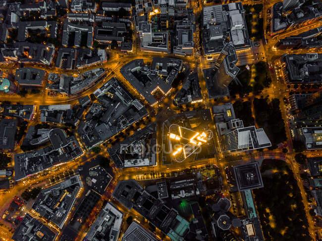 Вид на Франкфурт-на-Майні (Німеччина) Skyline at Night with glowing Streets HQ — стокове фото