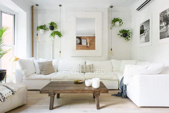 Moderno interior del dormitorio de lujo, 3d renderizado, espacio de copia. - foto de stock