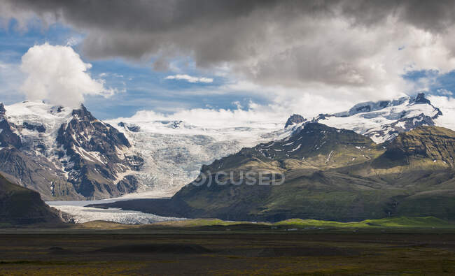 Majestic Skaftafellsjkull in South Iceland — Stock Photo