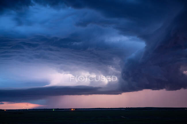 Colorful Clouds as Storm Breaks during Sunrise — Stock Photo
