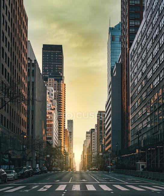 City skyline, New York, Manhattan street buildings — Foto stock