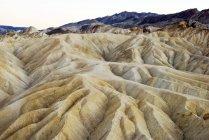 Vue des formations de sable à Zabriskie Point — Photo de stock