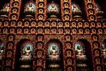Buddha-Statuen Buddha Tooth Relic Tempelmauer — Stockfoto