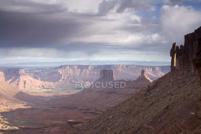 Мальовничий краєвид Колорадо і скельними утвореннями у долині замок — стокове фото