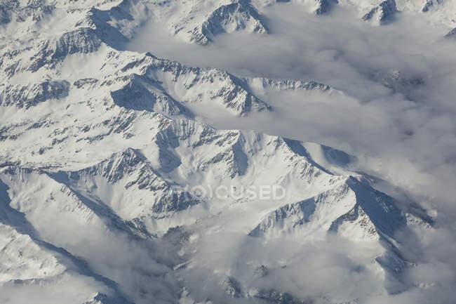 Аэрофотоснимок заснеженные горы Чугач, Аляска — стоковое фото