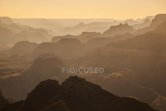 Гранд-Каньон скал в свете заката — стоковое фото