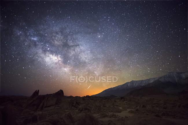 Milky way stars shining above Alabama Hills — Stock Photo