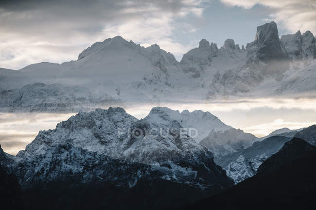 Winter landscape of mountains, Cantabria Spain — Stock Photo