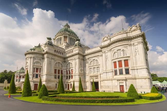 Facciata di Palazzo reale di Ananta Samakhom Throne Hall a Bangkok, Thailandia — Foto stock