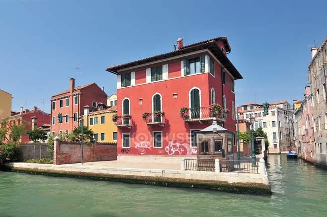 Будинки на Гранд-канал води вулиця в Венеції — стокове фото